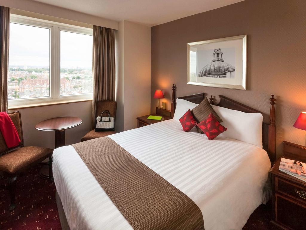 ibis earls court london