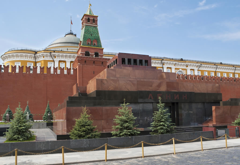 things to do in Moscow - Lenin Mausoleum