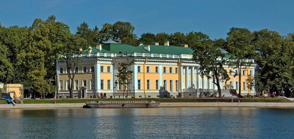 Kamenny Island Palace