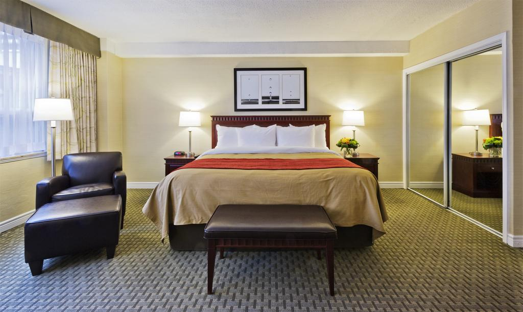 comfort hotel toronto