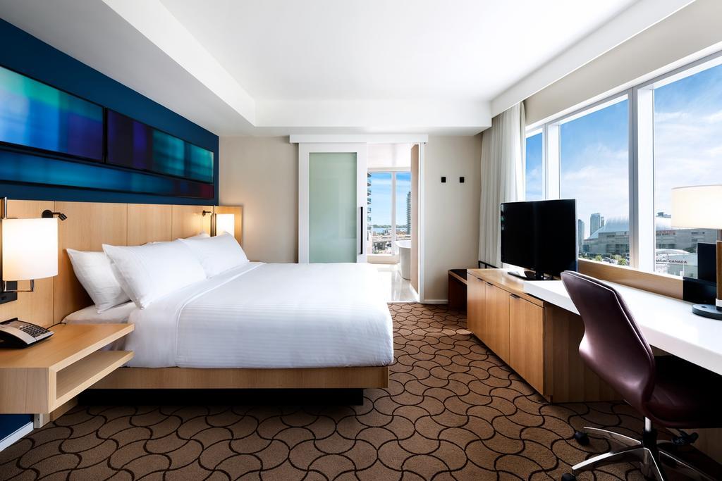 delta chelsea hotel toronto